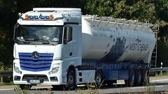 D - West Chemie MB New Actros 1851 Streamspace (BonsaiTruck) Tags: westchemie mb actros streamspace lkw lastwagen lastzug silozug truck trucks lorry lorries camion silo bulk citerne powdertank