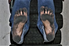 dirty feet - indoor 608 (dirtyfeet6811) Tags: feet soles barefoot dirtyfeet dirtysoles blacksoles partyfeet