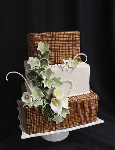 Burlap Ivy and Cala Lily Wedding Cake