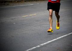 Airborne (HOARYHEAD) Tags: minnesota minneapolis runner airborne twincitiesmarathon minneapolismn tcmarathon nikond700 nikon28300mm 1062013 twincitiesmarathon2013