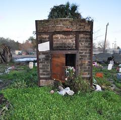 Holt- crematorium front
