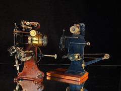 2 old small projector heads (The Dagestad Collection) Tags: vorführgerät film moviemuseum earlycinema projector projecteur technical antique musée laiton brass museocinema vintage collection sciencemuseum beau collectibles vieux beautiful beauty innovation framheim british english german french 35mm 28mm 95mm 11mm 175mm bioscope cinema handkurbel handcranked silentmovie movieprojector stummfilm projecteurdecinema cinemaparadiso manivelle projecteurdefilm cinemamuseum philosophicalinstruments magiclantern lanternemagique laternamagica steampunk burningman preuss tekniskmuseum museum vintagecinema precinema filmmuseum hometheatre kino lantern lanterne laterna lecinemachezsoi mls movie opticaltoy collectorsobject restoration sammlung science optics restaurering technicalantiquities technichesmuseum toy magiclanternsociety