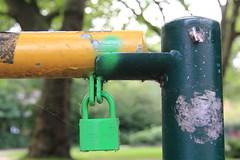 lock (Rasande Tyskar) Tags: street colors colours lock hamburg barrier grn schloss farbe bunt farben schranke abus schlos