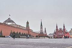 IMG_0630 (kevindalb) Tags: russia mosca moscow moscou red square redsquare place rouge placerouge piazza rossa piazzarossa winter inverno hiver cloudy nuages nuvole grey gris grigio cremlino kremlin lenin mausoleo mausolee mausoleum 2016
