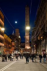 Via Rizzoli, Bologna (angelocesta) Tags: passeggiata via rizzoli bologna due torri degli asinelli notte luci love colori città vlog vacation
