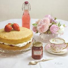 Strawberry Delight (Patsy L Smiles) Tags: summer cake strawberry homemade victoriasandwich elementsorganizer patsysmiles