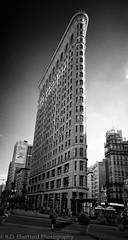 Flatiron bw (Daniel Hard) Tags: camera newyorkcity usa newyork lens other year streetphotography places flatironbuilding 5thave flatirondistrict 23st leicam 2013 streetsavenues 062013 21f34superelmar manhattan5thavenue