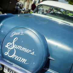 Jan's (GmanViz) Tags: color detail 120 6x6 film 1955 car analog mediumformat graphics automobile hasselblad fujifilm pontiac script custom reala pinstripe continentalkit 500cm zeissplanar80mmf28 gmanviz goodguysppgnationals
