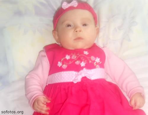 bebe menina com vestido rosa
