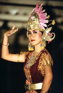 Indonesia - Java - Yogyakarta - Kraton - Dancer