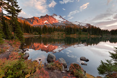 Mt Jefferson and Scout Lake (Dan Sherman) Tags: camping autumn sunset lake reflection fall oregon landscape outside tour unitedstates hiking meadow foliage alpine backpacking workshop mtjefferson backcountry jeffersonpark jefferson alpinelake mountainlake idanha alpinelakes mountjefferson mountainsunset phototour mountainreflection jeffersonwilderness photographyworkshop scoutlake danshermanphotography