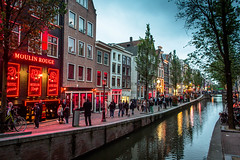 Red Light District (ole) Tags: red netherlands amsterdam rouge canal europe moulinrouge disctrict dewallen