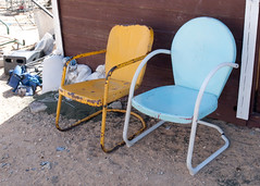 (deanmackayphoto) Tags: blue two yellow chair desert twochairs