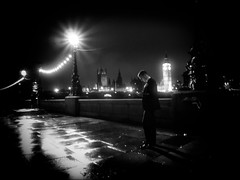 """On Her Majesty's Secret Service"" (Michael Moeller) Tags: street bw london monochrome streetphotography monochrom streetpeople nachts streetphotographer strassenbilder"