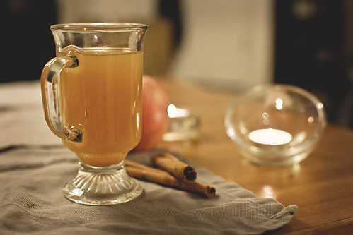 Hot apple cider with brandy