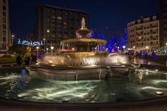 fuente de Moyua (Juan Ig. Llana) Tags: plaza navidad fuente bilbao moyua