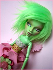MH - CAM Witch full custom (Elfe de Lune) Tags: pink green doll witch ooak cam custom poupe repaint furwig createamonster monsterhigh monsterhighcustom