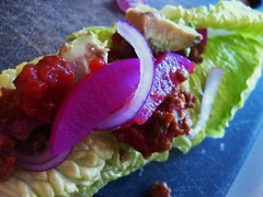 Beef 'n Avocado Lettuce Taco // I assembled (Sarah Scheffer) Tags: vegetables closeup recipe avocado salad vegan healthy beef mexican messy vegetarian pickles easy yves lowcarb quick sloppyjoe meaty redonions