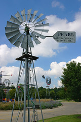 Pearl (WORLDS APART PHOTO) Tags: farming windmills pearl batavia agriculture windmillwednesday bativiaillinois pearlwindmill