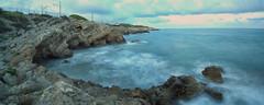 Panoràmica capvespre Vilanova i la Geltrú (Adrià Cabo) Tags: sea beach sunshine atardecer pano panoramic tokina nubes nd hitech platja nubols lucroit