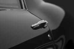 Jolies courbes ! (sdupimages) Tags: retromobile paris voiture nb bw noirblanc blackwhite cars ferrari hmbt