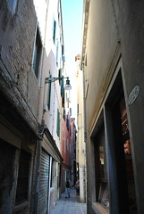 Venice (Sam.Stupica) Tags: street travel venice homes italy rome colors alley perspective