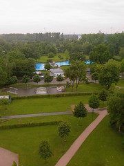 Freibad Kehl und Skate-Park (mathias_poujol_rost) Tags: park city summer pool rain cloudy pluie aerial swimmingpool skatepark skate été nuages rhine garten ville piscine kehl schwimmbad freibad nuageux rhin openairpool weisstannenturm piscinedepleinair