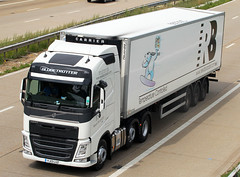 Volvo FH new look YJ13 LUZ - Reed Boardall (gylesnikki) Tags: new white truck kent artic m20 2013 reedboardall