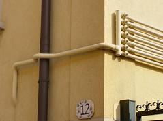 The big picture XX (Daisuke Ido) Tags: muro wall angle pipes bologna gutter valves grondaia tubi angolo valvole