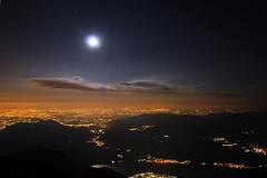(∙ мake it ғuиky ∙) Tags: sunset mountain nature nikon tramonto peak natura luna lc notte lecco stelle grignetta vetta brioschi grigna d80 morrolo 2410m birroschi rifbrioschi