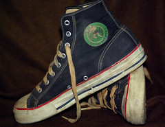 goody004 (njphotog29) Tags: old original classic vintage sneakers retro footwear 80s converse worn cons chucks beatup trashed