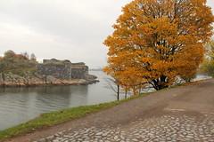Suomenlinna sea fortress (Viapori), Helsinki - Finland, Nov2013 (Ana Paula Hirama) Tags: finland helsinki gulf helsingfors fortress suomenlinna helsnquia forte sveaborg golfo gulfoffinland finlandia viapori helsinque golfodafinlndia