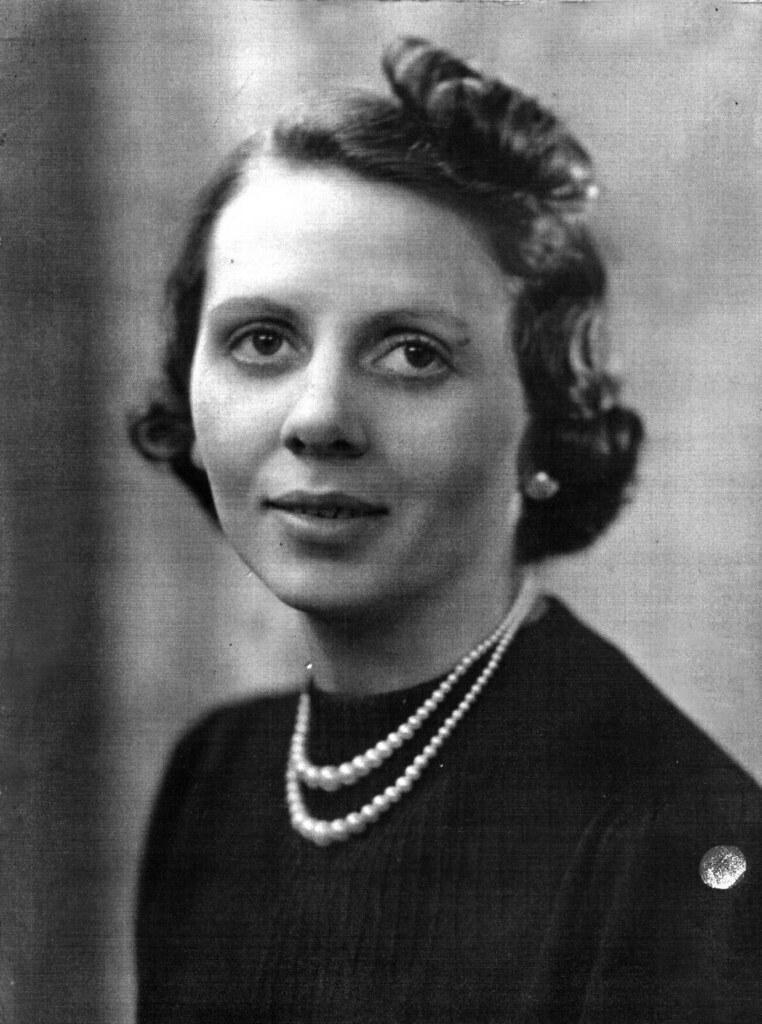 Rose Ann McVerry 1940 Jeromes Glasgow
