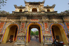 A gate to the Citadel (Hue, Vietnam) (armxesde) Tags: gate pentax citadel vietnam imperialpalace hue k5 imperialcity