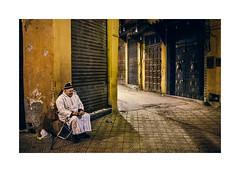 Morocco - Marrakech (Sr. Cordeiro) Tags: street old man night beggar morocco marrakech noite medina fujifilm rua homem velho pedinte marrocos x100 marraquexe