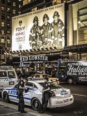FDNY VS NYPD (Dani Andrés) Tags: nyc 1740