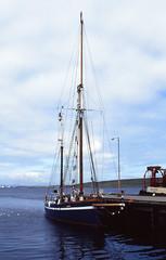 Atlantica (1991 July 9 mod) (AngusInShetland) Tags: film 35mm scotland sailing slidefilm tallship shetland lerwick atlantica ketch victoriapier canoscan5600f skgm