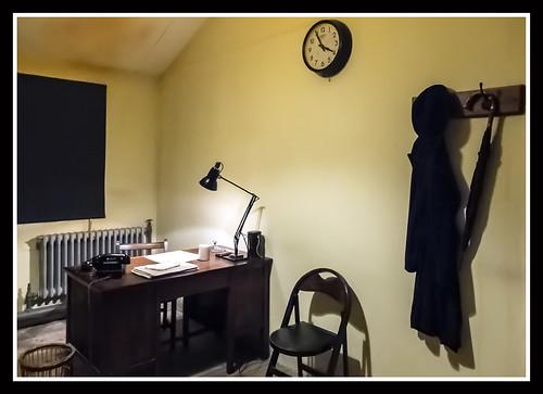 Hut Office 2