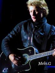 Bon Jovi-Buenos Aires (Mels G.) Tags: people music argentina rock canon buenosaires live events bands shows concerts fans msica jonbonjovi bonjovi recitales 2013 velezsarfield becausewecantour velezsarfieldstadium bonjoviinargentina