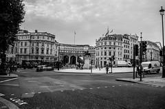Look (cuppyuppycake) Tags: london square trafalgar