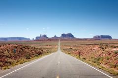Mile marker 13 (s__i) Tags: utah monumentvalley forrestgump highway163 mile13 hwy163 milemarker13 usroute163
