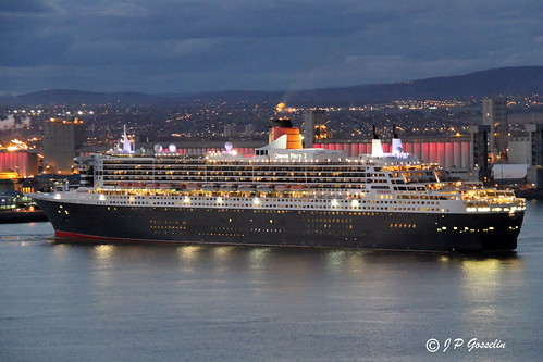 RMS QUEEN MARY 2  |  QM2  |  OCEAN LINER  |  CRUISE SHIP  |  CUNARD LINE |    DEPARTURE  |    VILLE  QUEBEC CITY  |  QUEBEC   |   CANADA