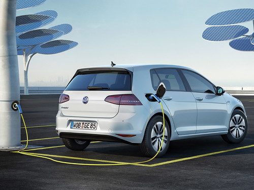 Volkswagen unveils the e-Golf at the 2013 LA Auto Show