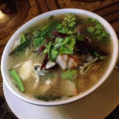 ต้มยำโป๊ะแตก | Thai Hot & Sour Seafood Soup @ จันทร์เจ้าขา ณ เชียงใหม่ | Chan Chao Ka Na Chiang Mai