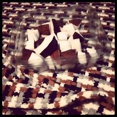 Paris, 20e arrondissement (Erwan F) Tags: brown white black color colors fruit square noir coconut eating eat squareformat brannan manger blanche marron blanc couleur noire noixdecoco jeudecouleurs grignoter grignotter iphoneography instagramapp uploaded:by=instagram gameofcolors