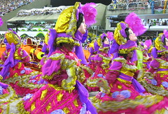 "Unio da Ilha "" BRINQUEDO,  BRINCADEIRA; A ILHA VAI LEVANTAR POEIRA!"" Carnaval 2014 Desfile Rio de Janeiro Carnival Parade Carioca Brasil samba (seLusava) Tags: carnival brazil rio brasil riodejaneiro samba janeiro desfiles images desfile carnaval bateria portfolio escola carioca rainha 2014 carnivalparade carroalegrico marqusdesapuca selusava carnavalesco arquibancadas sambaschools frisa alexdesouza frisas alcindodiasdovalle uniodailha uniodailhadogovernador grupoespecial wwwselusavacombr sergioluizvalle brinquedobrincadeiraailhavailevantarpoeira"