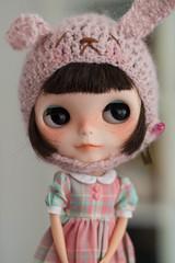 I'm a cute pink bunny >.<