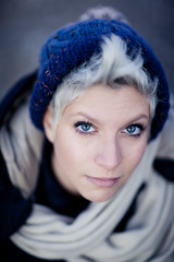 Vanessa (Claudez) Tags: woman eye beautiful canon eos donna colore 85mm bleu 5d colori atmosfera ef claudez