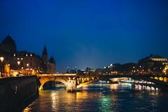 AS4_9448 (stottsan) Tags: bridge paris france night dusk availablelight handheld fr iledelacit laseine pontdarcole pontnotredame d700 nikond700 nikon50mmf14gafs