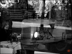 Place des Innocents (gyjishukke) Tags: paris caf streetphotography masseyferguson
